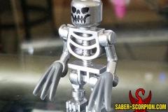 LEGO X-Men: Wolverine skeleton