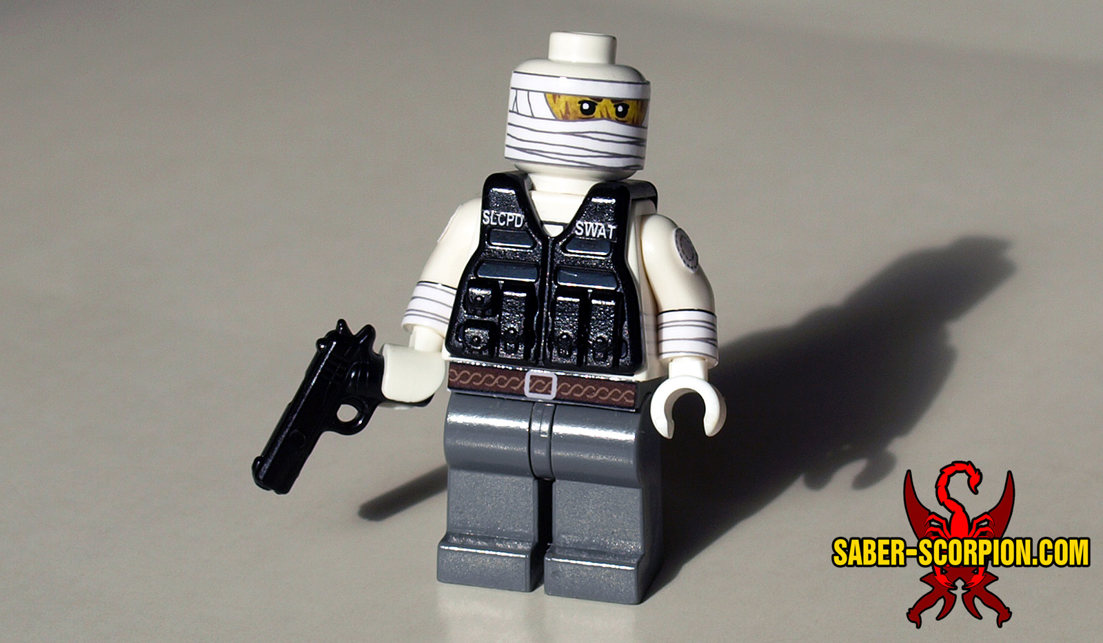 Lego Minifig Camera : Minifig: post apoc bandaged man u2013 saber scorpions lair u2013 custom